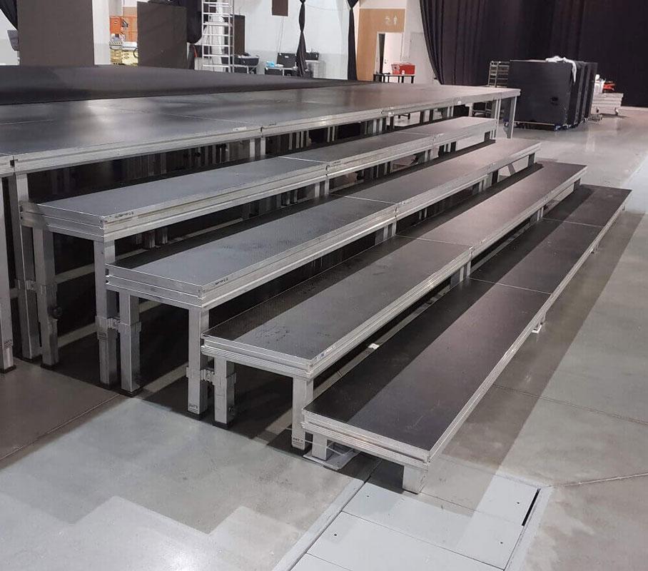 schody z podestów scenicznych hd 2mx0,5m