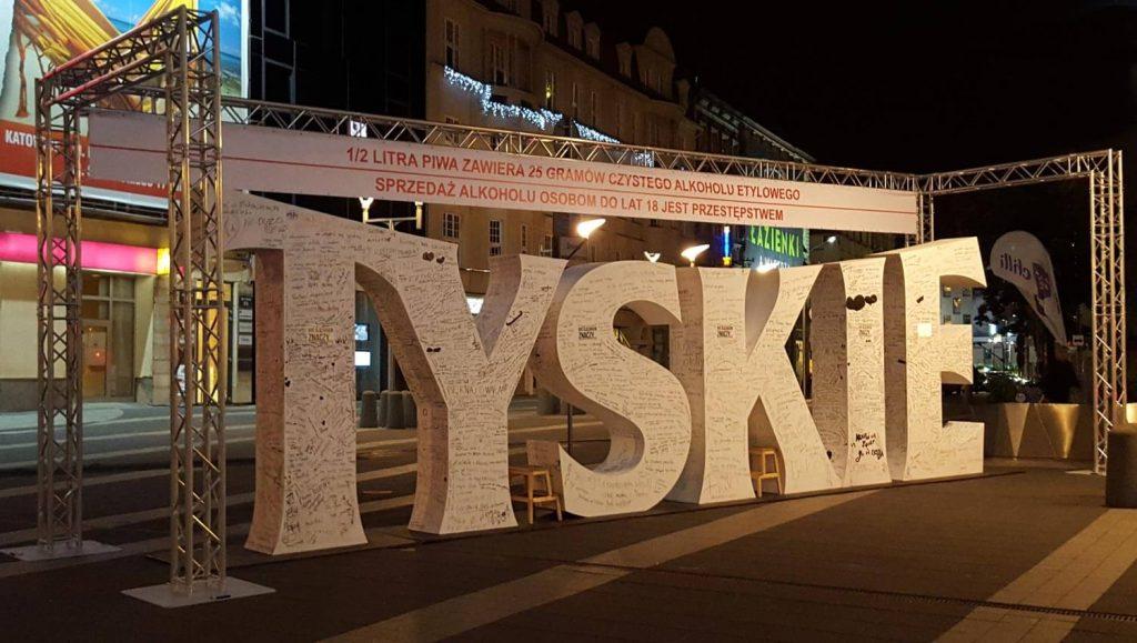 konstrukcja reklamowa tyskie Katowice dworzec